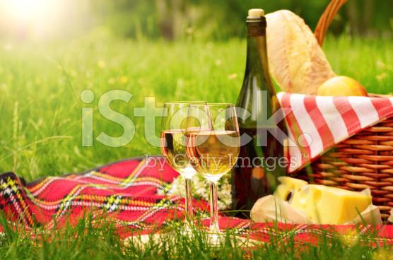 stock-photo-65647643-picnic-basket